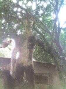 escultura en yeso (4 mts altura)