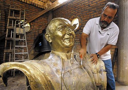 Las esculturas de Jesus Zelaya (1/2)