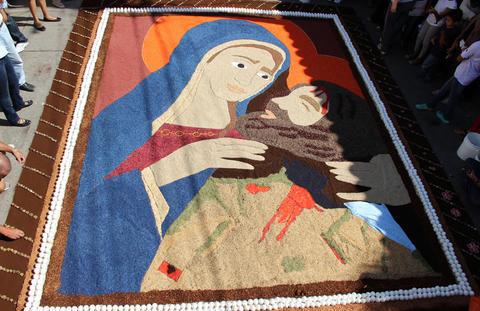 Arte y color : alfombras de aserrin en Comayagua (2/4)