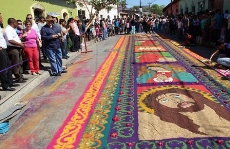 Alfombras frente a Catedral de Comayagua