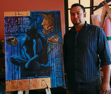 Fernando Venegas también forma parte del grupo de artistas exponentes.