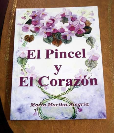 """En 2001 publicó su primer libro """"El pincel y el corazón"""", un libro sobre su trayectoria artística"""