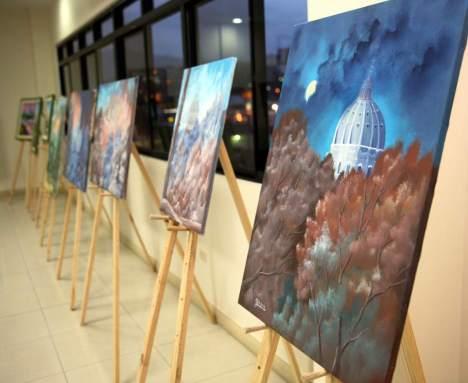 Hasta el momento ha realizado más de 40 exposiciones colectivas e individuales, en países como Italia, Filipinas, Taiwán, Arabia Saudita, España, República Checa, Eslovenia y Austria.