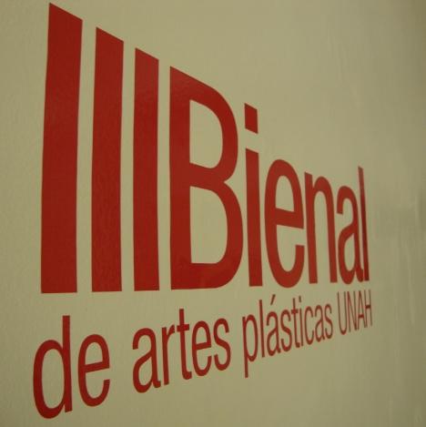 III Bienal de Artes Plásticas, 173 artistas presentaron un total de 207 obras; entre las que se contaron 139 pinturas, 30 esculturas, 10 cerámicas y 28 fotografías