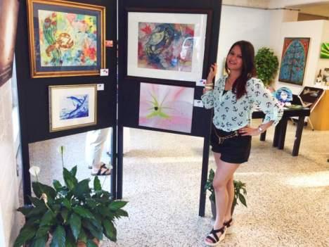 Actualmente, Olga es artista a tiempo completo. Inició su negocio (Olga Guy Art & Photography LLC) en el 2013