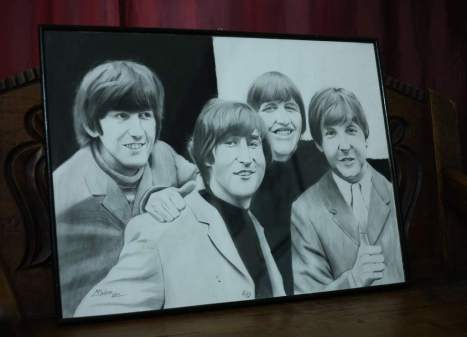 The Beatles fueron dibujados en carboncillo.