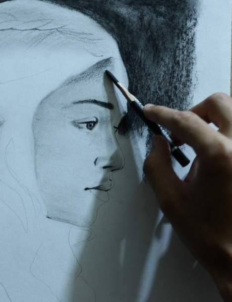 Christian Medina es un talentoso artista que trabaja las técnicas de óleo, tinta y carboncillo