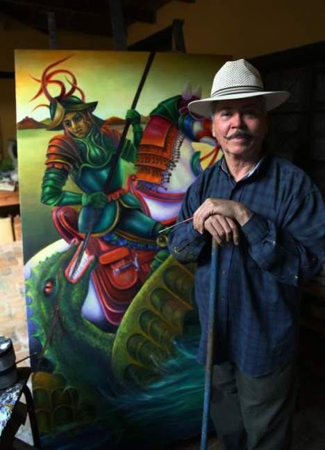 El colorido tropical de la pintura de Julio Visquerra es el toque de color catracho en Canadá.